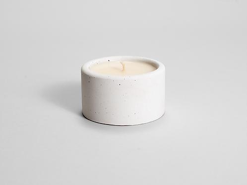 CANDELA  baltojo betono kvapioji žvakė