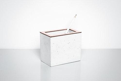 Baltas betoninis rašiklių laikiklis