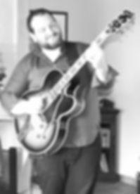 ERIC_CASANOVA_PROF_GUITARE_STUDIO_VOCALI