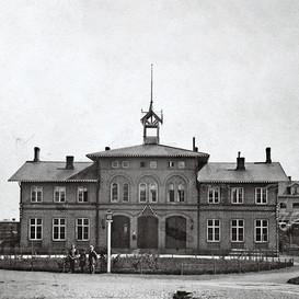 Stationshuset 1870.jpg