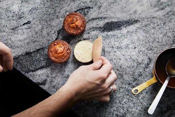 Vår meny består av tapas med inspiration från sydeuropa, gjorda på vårt speciella vis.