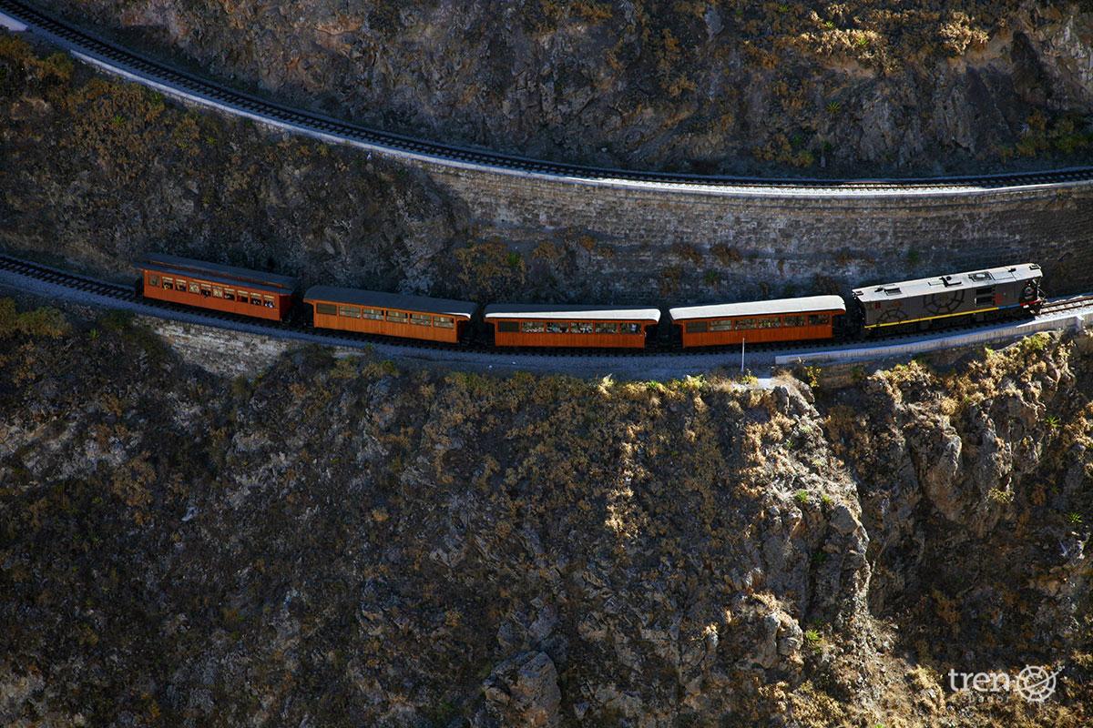 Devils nose Train