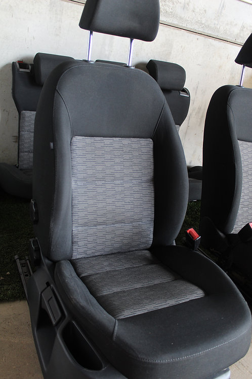 Skoda Octavia Hatchback 2010 Front Right Driver seat (Lumbar support)