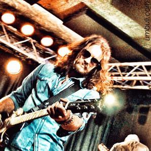 Vern rocking guitar