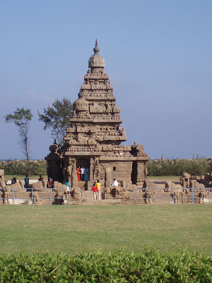Shore Temple at Mamallapuram.JPG