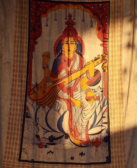 saraswati-4068031_1920_edited.jpg