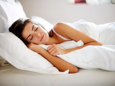 5 tips som får dig att somna på sommaren – fast det är ljust ute och jättevarmt inne