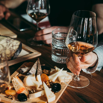 • Matcha ost och vin