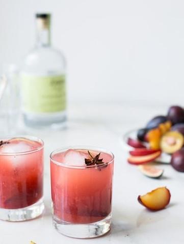 Gin & tonic med plommin-shrub