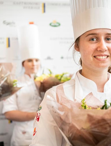 Linnea Sandberg vinnare i Gastronomi Sverige Commis Award 2021
