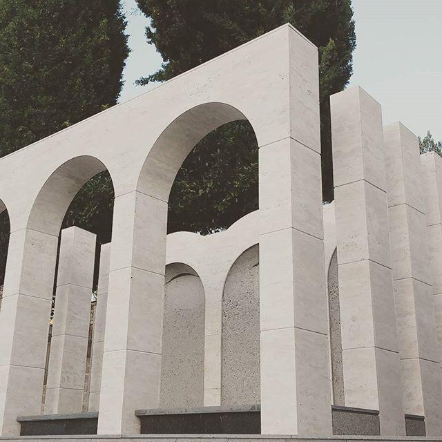 La eternitat és un lloc tranquil #architecture #arquitectura #arquitecturalleida #arquitecturafunera