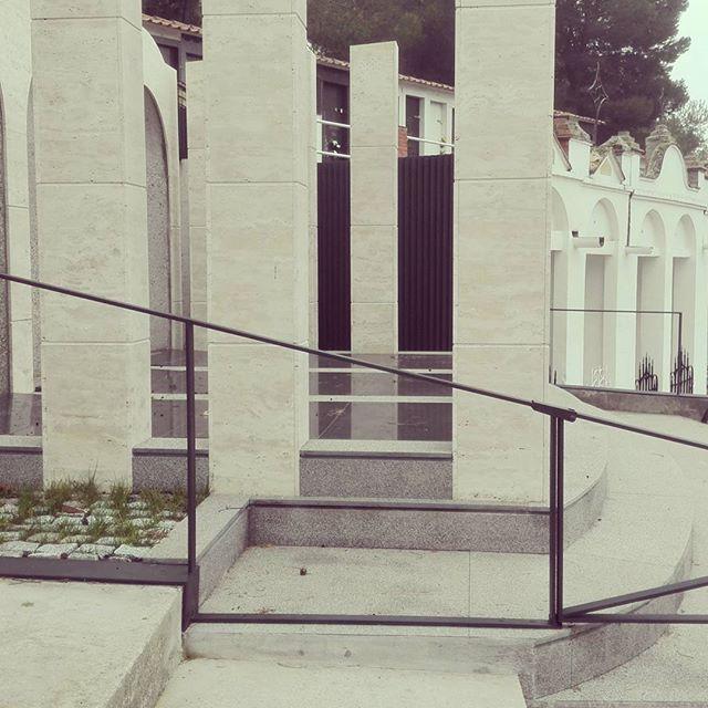 Últims detalls de serralleria acabats #serralleria #artesaniametalica #arquitecturafuneraria #petits