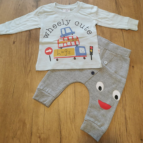 'Wheely cute' jogger set