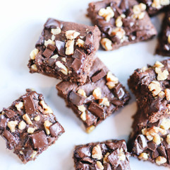 Healthy Chocolate Brownies (with hidden black beans)
