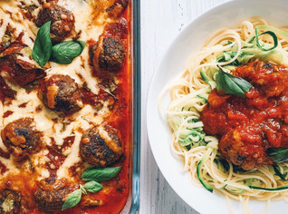 Baked meatballs with spaghetti and zoodles