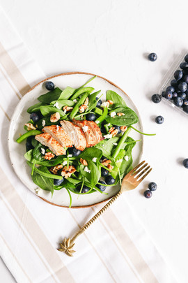 Summer Spinach Salad with Chicken and Bl