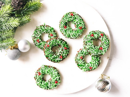 Chocolate and Coconut Christmas Wreath Biscuits
