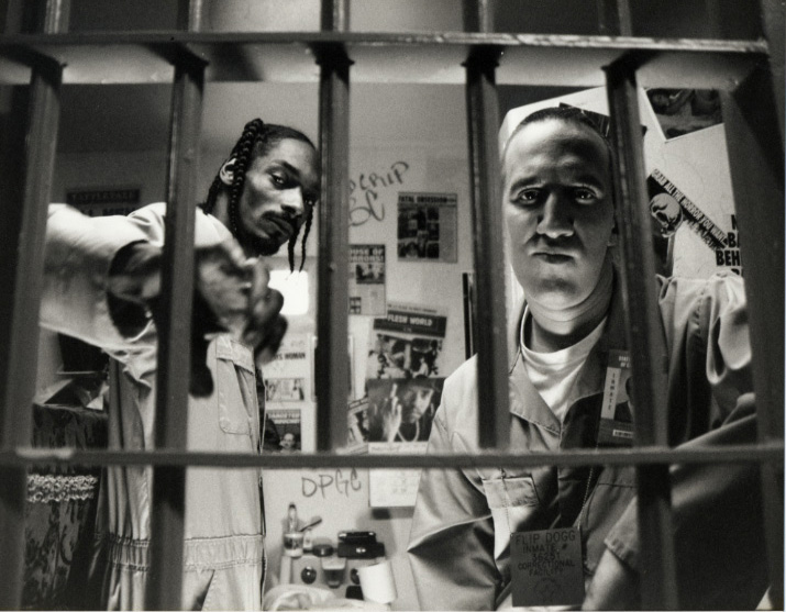 Snoop & Hoch behind bars copy
