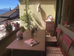 Meubles Fermob, coussins Linum pour un balcon 'girly'
