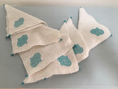 Petites serviettes pour wc brodées avec la main de Fatma (Maison Rouge, Marrakech)
