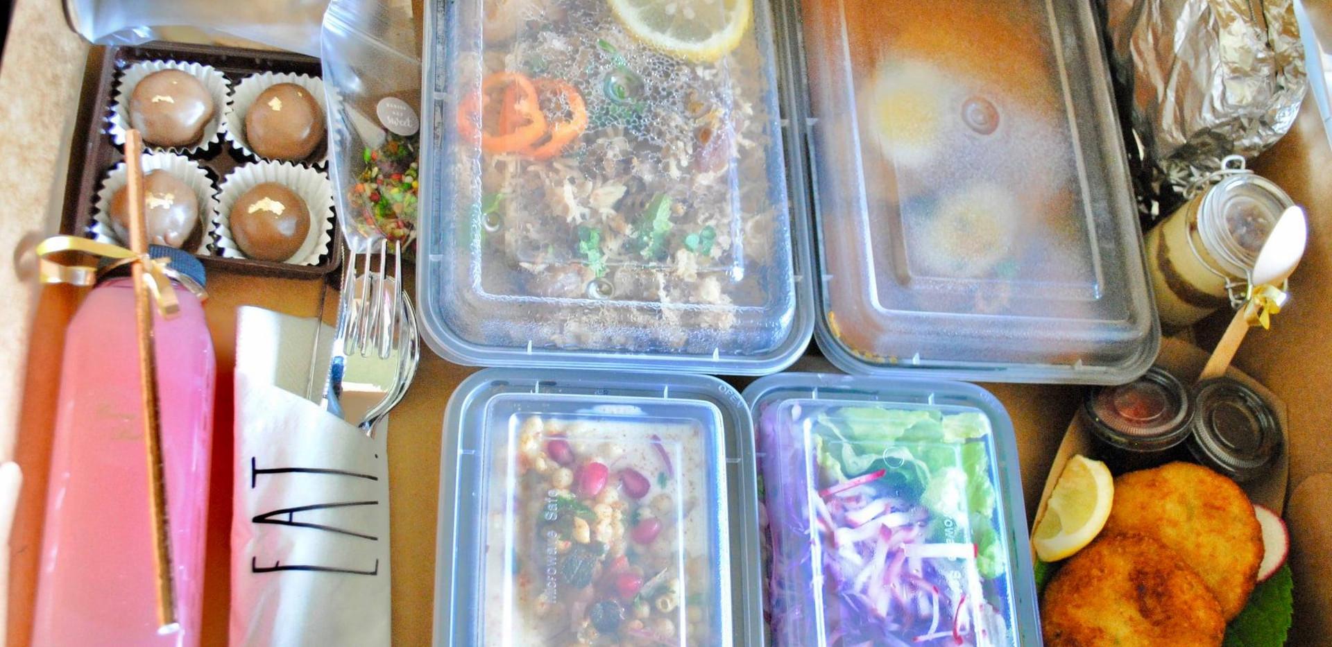 boxed-meal-1.jpg
