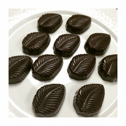 Molded Bonbons