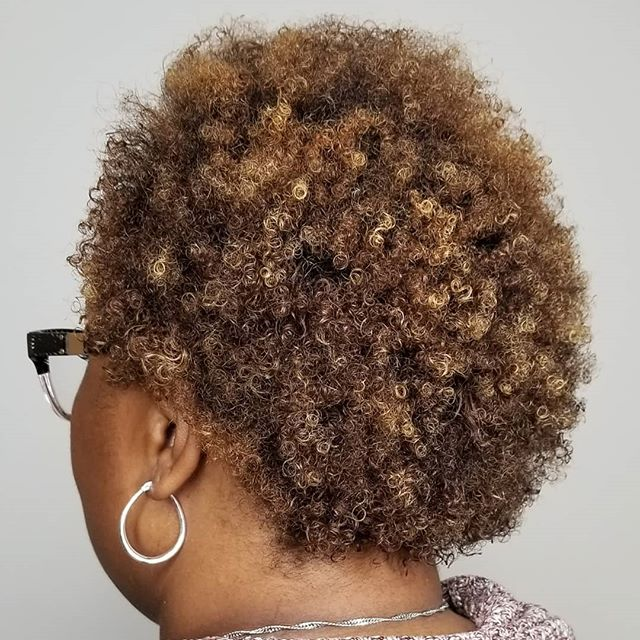 Swipe ➡️ to see these beautiful curls be