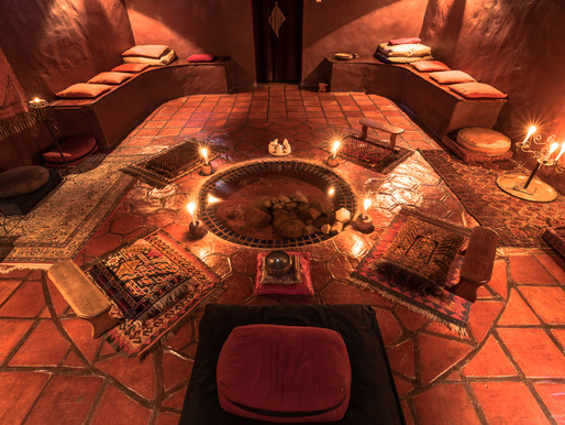 NEW YEAR'S EVE, THE CANDLELIT SPIRAL AT TEMENOS