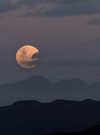 full moon rising 1