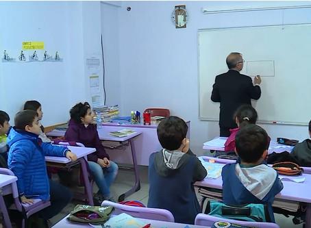 Pisporên perwerdehiyê banga xwedî lêderketina zimanê Kurdî dikin