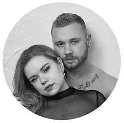 Boudoir image of couple in black and white.