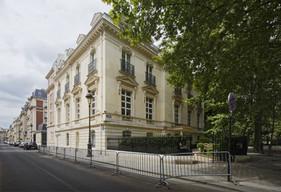 Hotel avenue Ruysdael, Paris