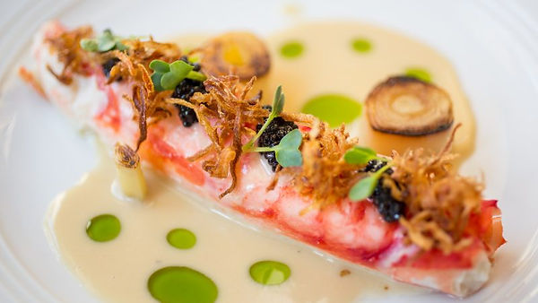butter-poached-king-crab-caviar-leeks-le