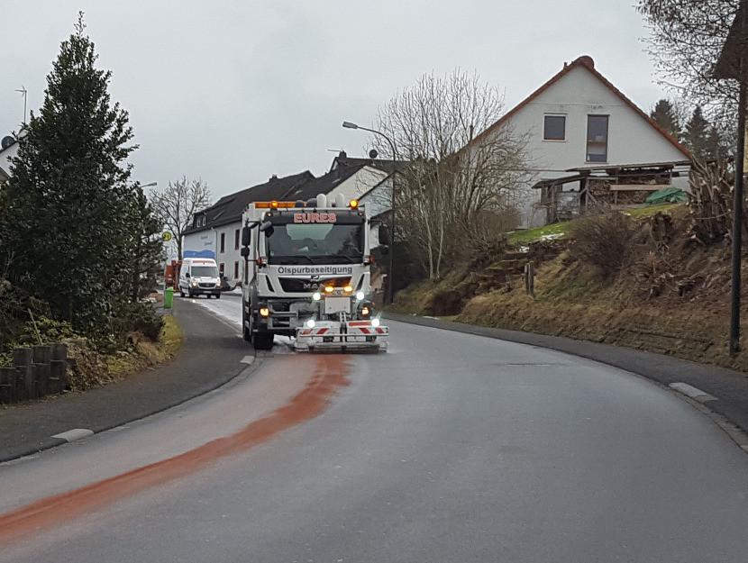 Einsatz FF Stadtkyll - 07.03.18 - Firma EURES im Einsatz