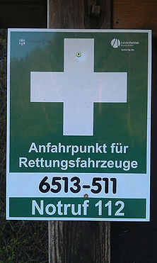 Schild für einen Rettungspunkt