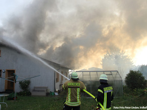Brand - Dachstuhlbrand Einfamilienhaus