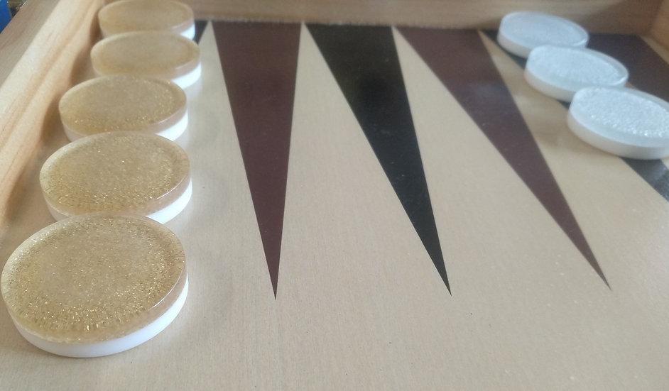 כלים בצבע זהוב/כסוף