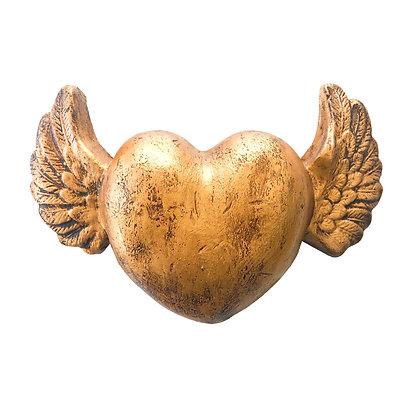 Corazón guatón dorado con alas doradas