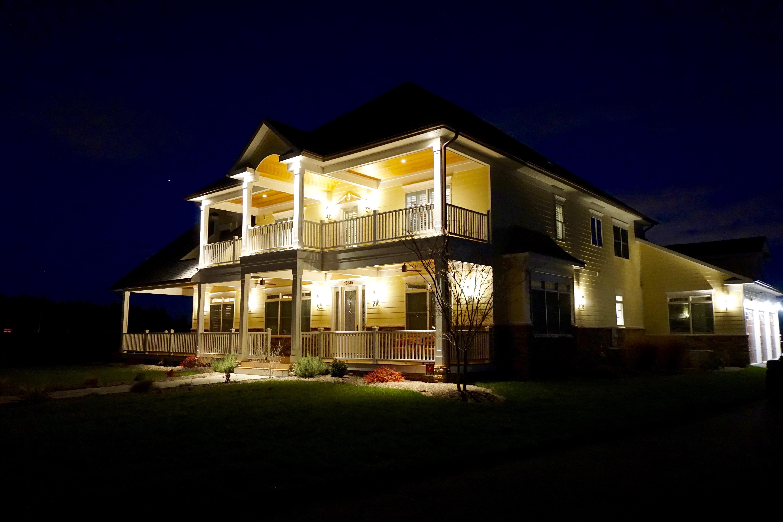 Brami Manor at Night
