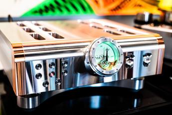 Dan D'Agostino Master Audio Systems - Momentum HD Pre