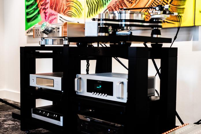 Dan D'Agostino Master Audio Systems Momentum HD Pre  VPI Avenger Plus Turntable  Aurender W20SE  Berkeley Audio Design Alpha DAC Reference Series 3  Audioquest Niagra 7000 Power Conditioner  Rack:  HRS VXR Racking & Isolation Base System