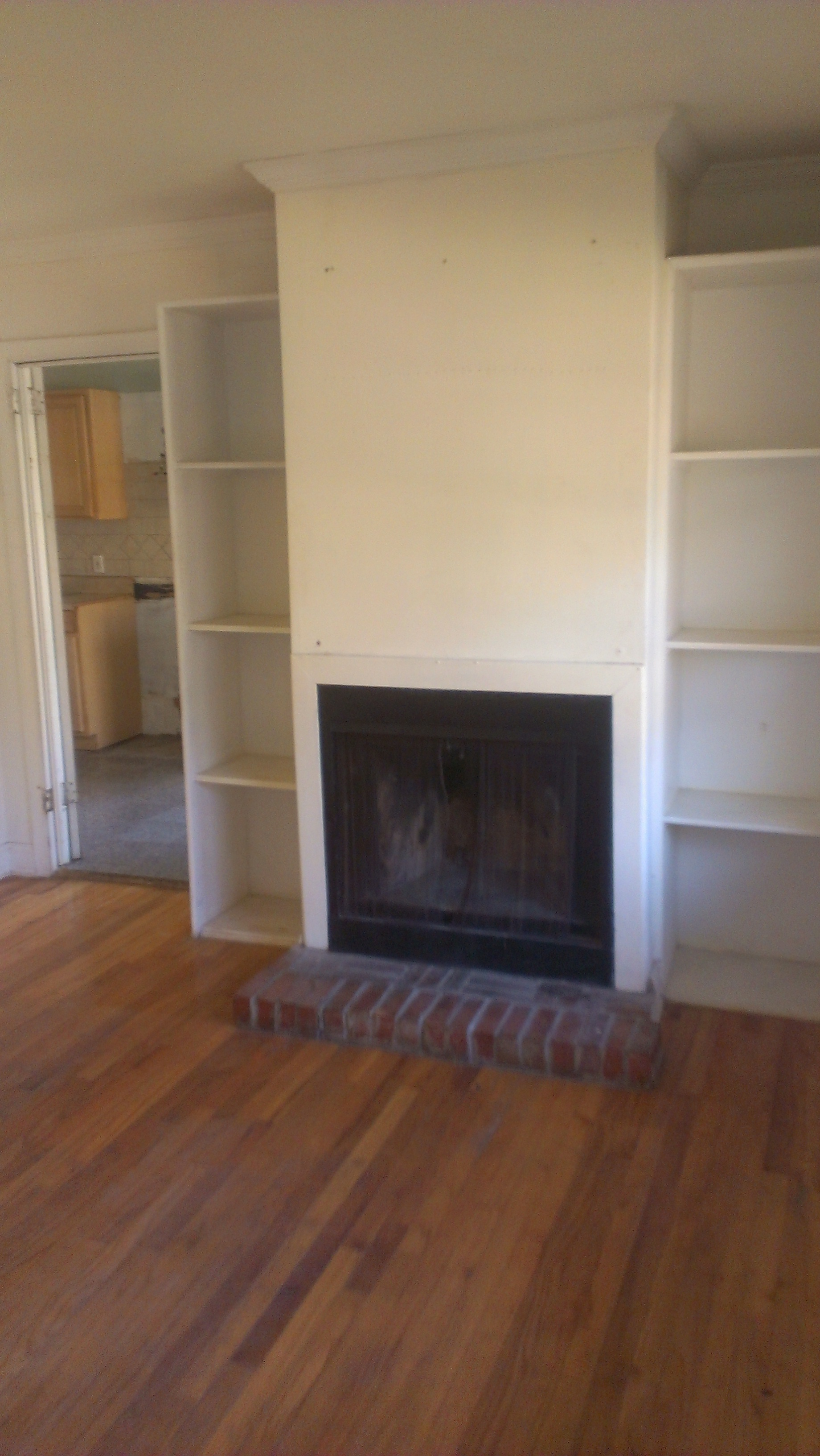 FIREPLACE-BEFORE