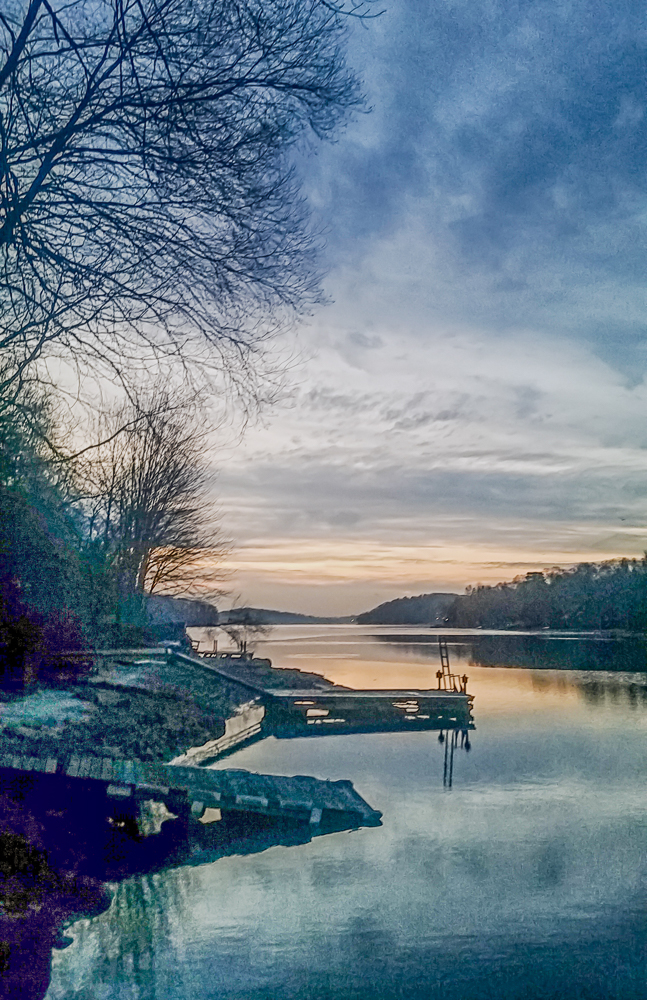 Cindy O'Conor -  Candlewood Lake at Dawn