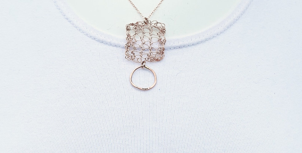 Knitted Rose Gold and Circle Necklace