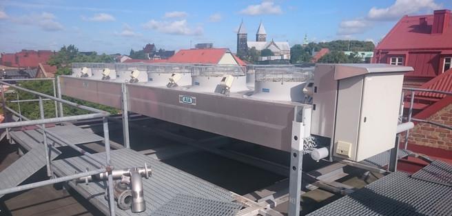 Nymonterad gaskylare på taket på Coop, Mårtenstorget i Lund