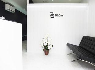 札幌 北区 麻生 セルフホワイトニング メンズ脱毛(ヒゲ脱毛・全身脱毛・vio) BLOW(ブロウ) 店舗入り口 待合 レジ前