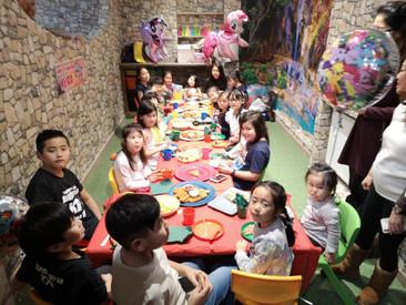 dinner-party (2).jpg