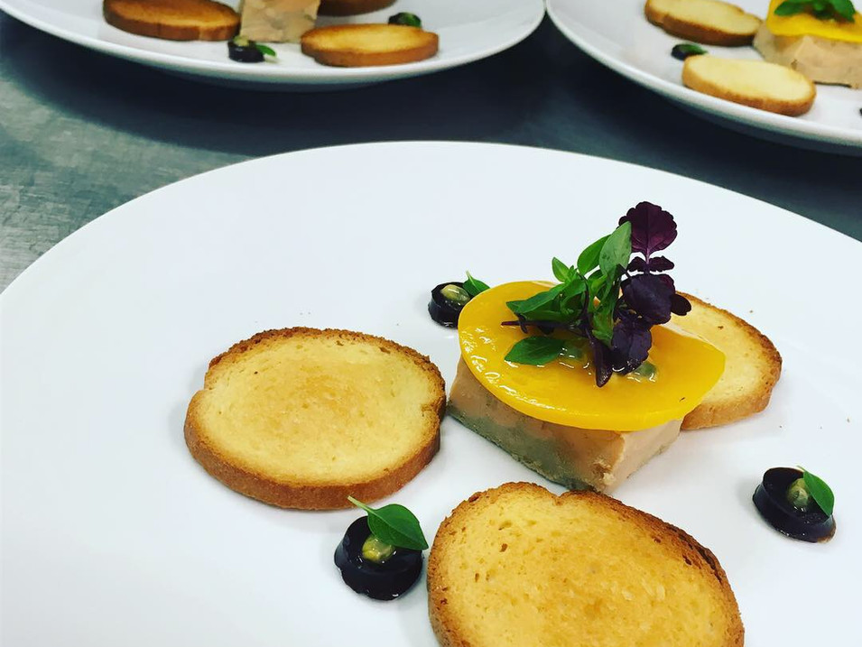 Terrine_de_foie_gras_au_café_et_fruit_de
