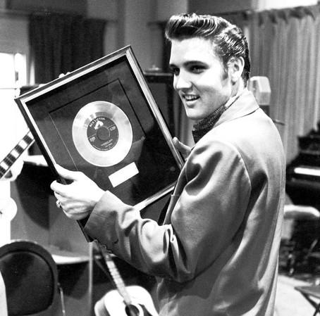 Rock'n Roll'un Kralı: Elvis Presley