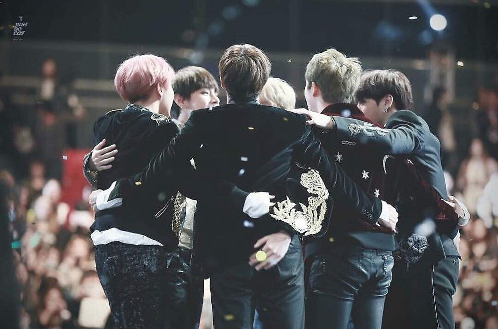 BTS Bangtan Dorm full group daesang win Mama cute hug photo